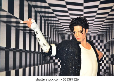 BANGKOK, TH - DEC. 13: Michael Jackson wax figure at Madame Tussauds Bangkok on December 13, 2016 in Pathumwan, Bangkok, Thailand