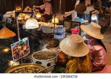 BANGKOK THAILAND - 01/05/2019 : Local vendor sell tradition thai food at floating market in Icon Siam department store