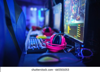 BANGKOK, THAILAND - 11June 2017:  The performance of gamer player competition for Electronic Sports in IntelGameTime Event at Pantip Arena Hall on 11 June 2017 BANGKOK,THAILAND