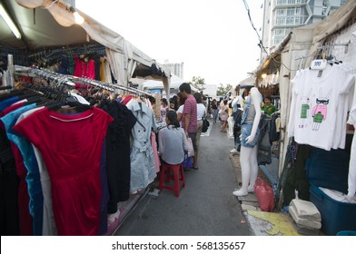 BANGKOK, THAILAND, 12 FEBRUARY 2015 : Unidentified people and tourist at fashion street market in city.