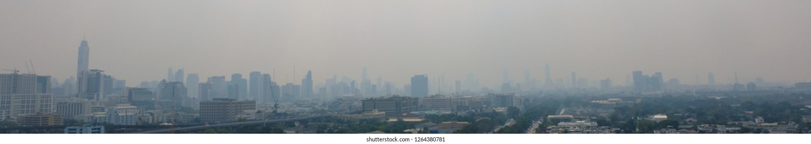 Bangkok, Thailand, 22 Dec. 2018, this morning Those who live in Bangkok will probably see the flight conditions and breathe with air that is dust smaller than 2.5 microns (PM 2.5).