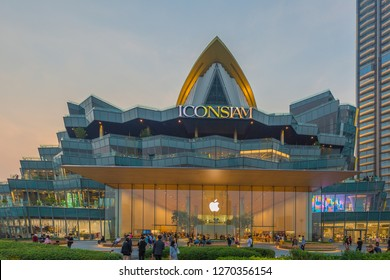 BANGKOK, THAILAND - 30 Dec, 2018: Exterior view of ICON Siam at River side. ICON SIAM is the new Shopping Center and Landmark of Bangkok at night.