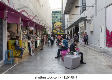 BANGKOK THAILAND - APR 10 : life of people at food stall alley at side of Digital Gateway in siam square on april, 10, 2016, thailand. siam square is famous shopping place of Bangkok