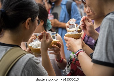 BANGKOK, THAILAND – April 1, 2017:Chatuchak Weekend Market,is very popular shopping centre to Thais and has become a popular place for tourists ,has over 200,000 visitors each day(SAT-SUN)