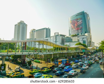 Bangkok Thailand April 22,2017  Pratu Nam Intersection. There is Bangkok's premier business district. Traffic is busy all day. Sky walk  in bangkok's central shopping district.
