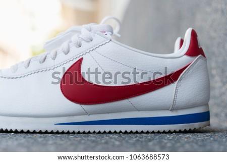 88d1a12b3e8d ... discount bangkok thailand april 8 2018nike classic cortez leather white  varsity 4be23 addc2