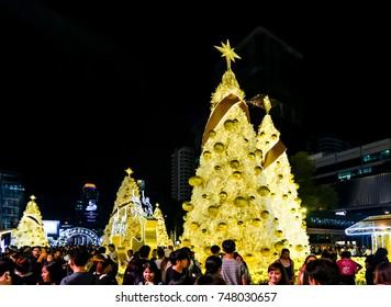 BANGKOK, THAILAND - DEC 23 : People enjoy with Christmas lighting decorate on 23 December 2016 in Bangkok, Thailand