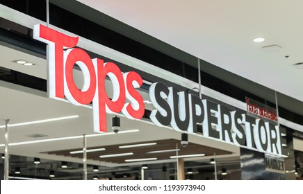 Bangkok, Thailand - DEC 31, 2017 : Crowd of people buying foods and goods at Tops Superstore for New years family day, consumption rate always rise at end of the year