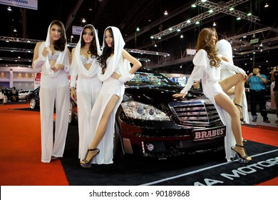 Asian Girls At Motor Show Images Stock Photos Vectors Shutterstock - Asian car show girls