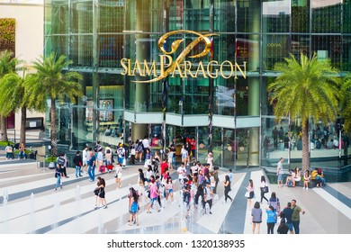 BANGKOK, THAILAND - FEB 16 : Siam Paragon Shopping Center on February 16, 2019 in Bangkok, Thailand. Siam Paragon is one of the most popular shopping centers in Asia.