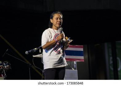 BANGKOK, THAILAND - JAN 24, 2014: Anchalee Paireerak, the PDRC'Â?Â?s core-leader on the protest stage at Pathumwan.