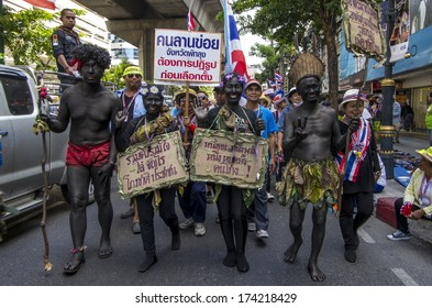 Bangkok, Thailand - Jan30, 2014: Anti-government protesters march along Sukhumvit road from On Nut to Pathumwan in a campaign for national reform before the election