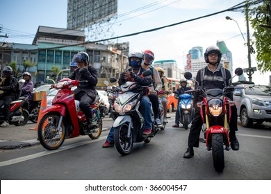 BANGKOK, THAILAND - JANUARY 19, 2016: Heavy traffic on Phetchaburi and Ratchaprarop crossing in Bangkok, Thailand on January 19, 2016