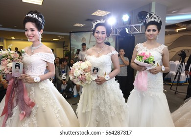 Bangkok, Thailand - January 25, 2017 ;  Lifeford Enchanted Princess Bridal Makeup 2016, Central Area, and applying make up within 50 minutes