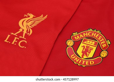 new arrival 5cbc1 d72dd Liverpool Football Shirt Stock Photos, Images & Photography ...