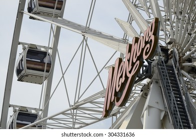 BANGKOK, THAILAND - JULY 7,2015 :  Extremely close up the  ferris wheel at Asiatique the riverfront. Here is the night market in Bangkok