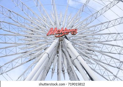 BANGKOK, THAILAND - JULY 7,2015 : Ferris wheel at Asiatique the riverfront. Here is the night market in Bangkok