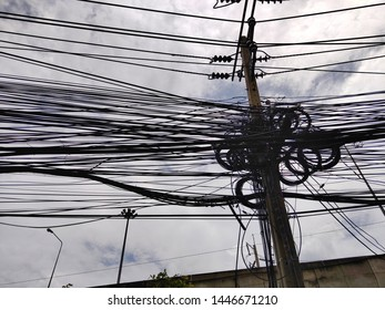 Underground Wire City Images, Stock Photos & Vectors ... on