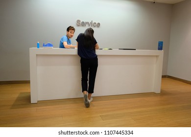 BANGKOK, THAILAND - JUN 7, 2018 : Apple service zone for apple product introduction and Repair in Department store.