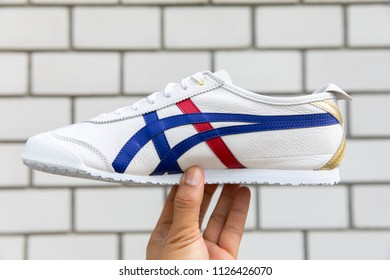 onitsuka tiger mexico 66 white ink blue queen