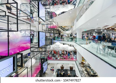 BANGKOK, THAILAND - MAR 10 : Modern interior design of Siam Discovery Shopping Mall on March 10, 2018 in Bangkok, Thailand. Siam Discovery is one of the most popular shopping centers in Siam Area.