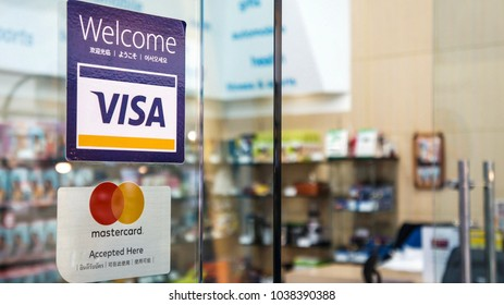 BANGKOK, THAILAND- MARCH 04,2018 : Shopping mall welcome to pay by Visa card and Master card .