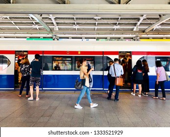 BANGKOK, THAILAND. MARCH 08, 2019: the bts sky train stops for 2 minutes for passengers to get inside at the platform.