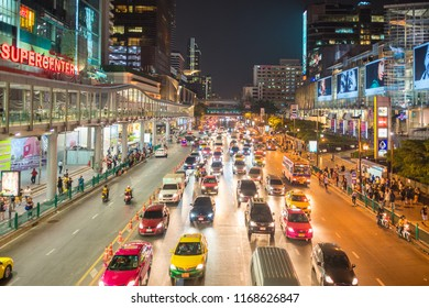 BANGKOK, THAILAND - MARCH 23, 2018.. Rush-hour on the Ratchadamri road, in the Bangkok district Pathum Wan. The area is home of shopping malls, hotels and high-rises and business center