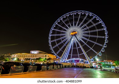 BANGKOK, THAILAND - MARCH 30,2016 : Ferris wheel at Asiatique the riverfront in the night on MARCH 30,2016 in bangkok. Here is the night market in bangkok - thailand.