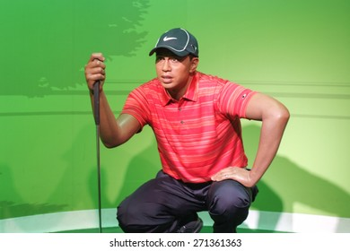 BANGKOK THAILAND - MARCH 5, 2015: Tiger Woods waxwork figure -Madame Tussauds Siam discovery