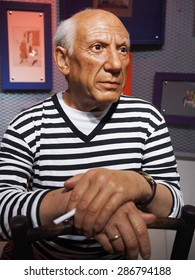 BANGKOK THAILAND - MARCH 5, 2015: Pablo Picasso waxwork figure -Madame Tussauds Siam discovery