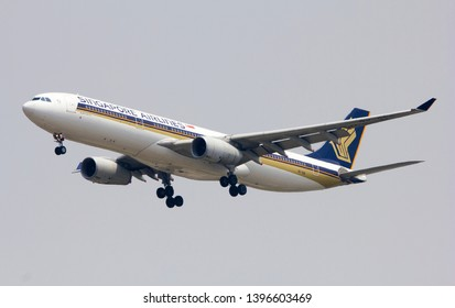 Bangkok Thailand / May  12 2019 / Singapore airlines Airbus A330-300 landing at Suvanabhumi airport VTBS.