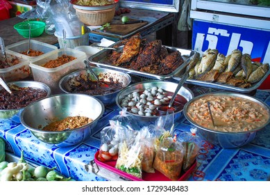 BANGKOK, THAILAND - MAY 12, 2020: Thai food on the street is popular and sell well