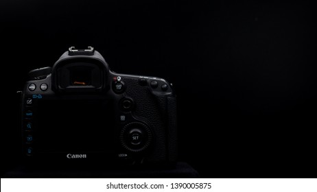 Bangkok, Thailand - May 2019 : close up screen and button back view of Canon 5D Mark iii DSLR professional camera photo in black studio in Thailand , 16:9 aspect ratio cover picture .