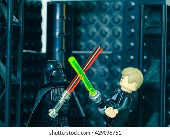 Bangkok Thailand. May 27th, 2016. Lego mini story : light-saber duel with Darth Vader(father) and Luke Skywalker (son) in the laboratory controller.