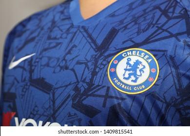 new concept 1e8f6 83e7a Chelsea Football Club Logo Images, Stock Photos & Vectors ...
