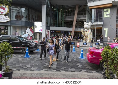 BANGKOK THAILAND - MAY 29 : unidentified people walk across crosswalk at Siam Square One in siam square on may, 29, 2016, thailand. siam square is famous shopping place of Bangkok