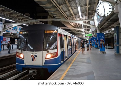 BANGKOK, THAILAND - NOVEMBER 19, 2015: Travellers inside BTS Skytrain underground station. The Bangkok Mass Transit System, commonly known as the BTS or the Skytrain, consists of 34 stations.