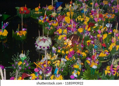 Bangkok, Thailand, november 27, 2004, Loi Krathong takes place on the evening of the full moon of the 12th month in the traditional Thai lunar calendar