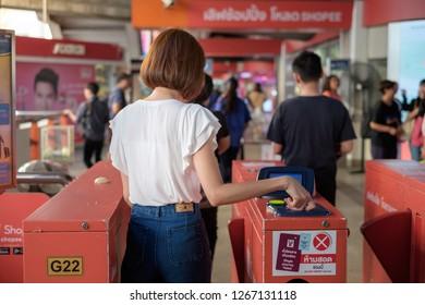 BANGKOK, THAILAND - November 4 : the Morchit BTS Skytrain station on November 4, 2018 in Bangkok, Thailand. People get off from the BTS Skytrain station