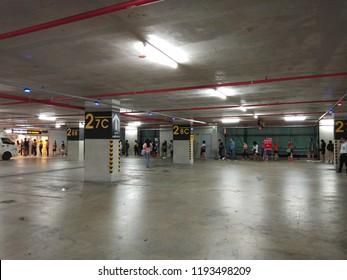 Lampen Bazaar Beverwijk : Car bazaar images stock photos & vectors shutterstock
