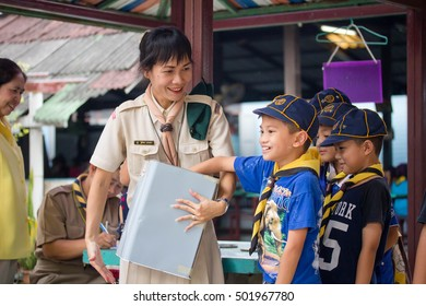 BANGKOK, THAILAND - Oct 14, 2016 : Student 9-10 years old, Scout in adventure activities, Scout Camp in Pieamsuwan school Bangkok Thailand.