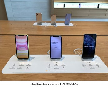 Bangkok, Thailand - Oct 19 2019 : The launch of Apple products has iPhone 11and iPhone 11 Pro. At Iconsiam bangkok thailand.