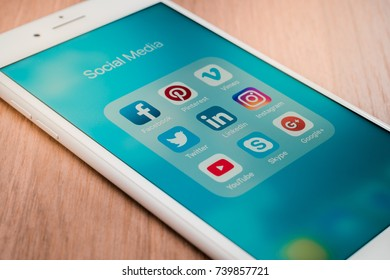 Youtube Icon Images, Stock Photos & Vectors | Shutterstock