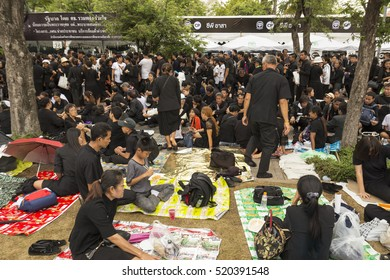 BANGKOK THAILAND - OCT 29 : The crowd of mourners in sanam luang ,while the funeral of king Bhumibol Adulyadej in Grand Palace on october, 29, 2016