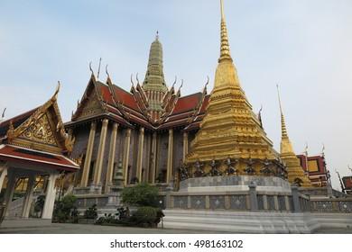 BANGKOK, THAILAND - OCTOBER 13, 2016 : Wat Phra Si Rattana Satsadaram, Temple of the Emerald Buddha, Wat Phra Kaew, in Grand Palace, Bangkok, Thailand