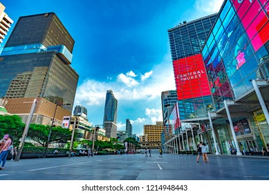 BANGKOK, THAILAND - October 14, 2018 : Front View Modern Building And Skyscraper At Central World, Is A Shopping Plaza And Economic Center In Bangkok, Thailand 2018