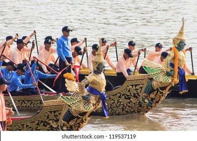 BANGKOK, THAILAND - OCTOBER 19: The 6th Practice of Thai Royal Barge procession cruises down the Chao Phraya river to celebrate 85th King of Thailand on the throne Oct 19, 2012 in Bangkok.