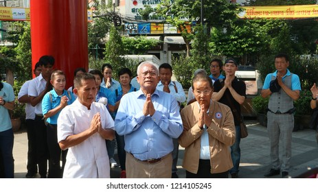 BANGKOK, THAILAND - OCTOBER 27, 2018: Co-founder of the Action Coalition for Thailand Party (ACT), Suthep Thaugsuban (center) prior to meeting Bangkokians on October 27, 2018 in Bangkok, Thailand.