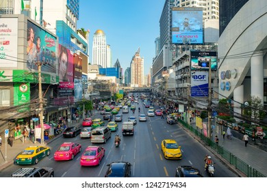 BANGKOK, THAILAND - October 29: front of Pantip Shopping Center on October 29,2018 in Bangkok, Thailand. Traffic moves slowly along a busy road in Bangkok.